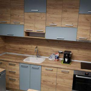 Кухненска мивка от полимермрамор монтирана на кухня